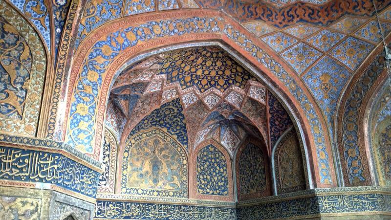 interior view of taj mahal