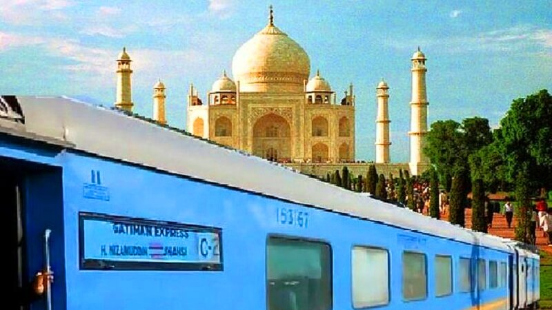 taj mahal day trip from delhi by train